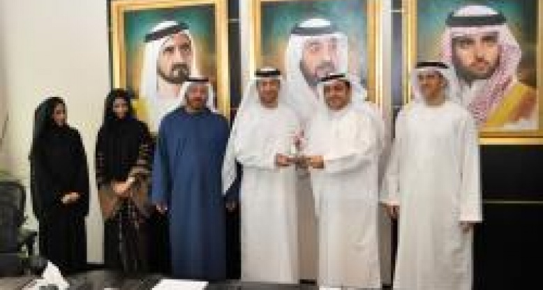 Emirates ID Authority delegation discuss opportunities for joint cooperation with HBMeU